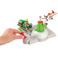 Planes hrací set Dobrodružství na letišti - Stanice pro doplnění paliva 2