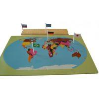 Montessori Svět Mapa s vlajkami na stojánku