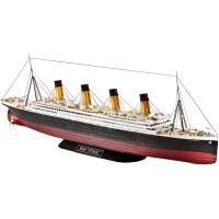 Revell Plastic ModelKit loď R.M.S. Titanic 1:700