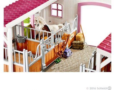 Schleich 42344 Stáj s koňmi a příslušenstvím v pastelových barvách