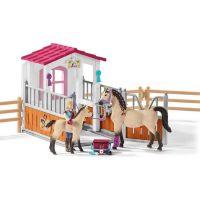 Schleich Stáj s koňmi arabskými a ošetřovatelkou 2