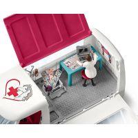 Schleich Mobilní veterinářská klinika s klisnou a ošetřovatelem 4