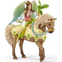 Schleich 70504 Víla Sura ve slavnostním oděvu na koni