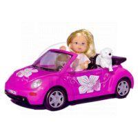 Panenka Evička s autem New Beatle
