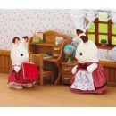 Sylvanian families Nábytek chocolate králíků - sestra u psacího stolu 2