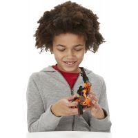 Hasbro Transformers s pohyblivými prvky - Autobot Drift 4