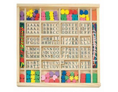 """Woody 90270 - Navlékací perle v dřevěné krabici """"ABC a tvary"""""""